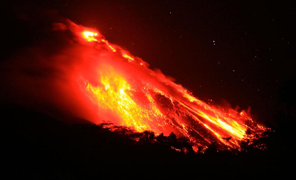 Килауэа (в переводе с гавайского — «изрыгающий») — самый активный вулкан острова Гавайи, которы