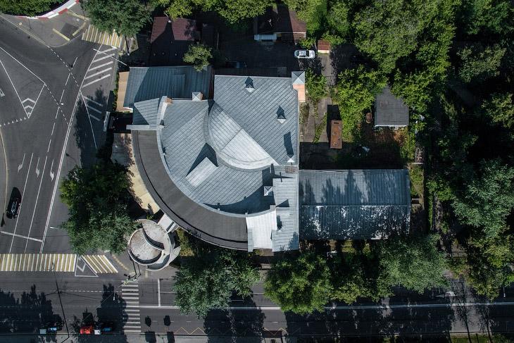 2. «Хавско-Шаболовский жилой комплекс» — памятник архитектуры, построен в 1927—1931 гг. Архите