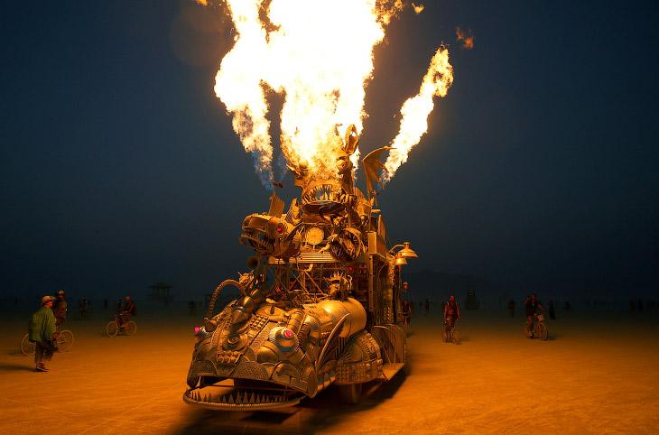 Фестиваль Burning Man проходит каждый год уже на протяжении 32 лет. (Фото Jim Urquhart | Reut