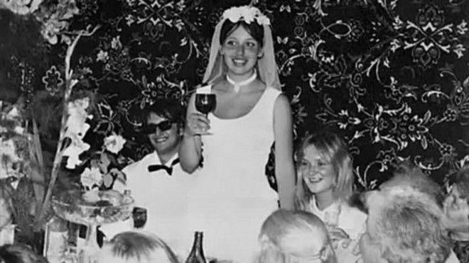 В 1976 году Александр женился во второй раз. Новой избранницей Градского стала актриса  Анаст