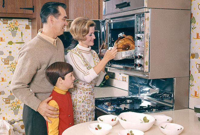 Трагедия некормленого мужика: почему современная женщина не обязана готовить (1 фото)