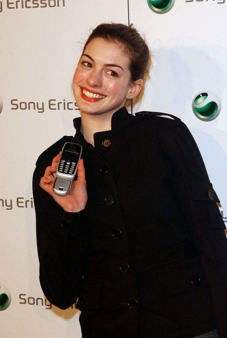 2000 год: Бритни Спирс в своём нестареющем оранжевом луке на премии «Billboard Music Awards»