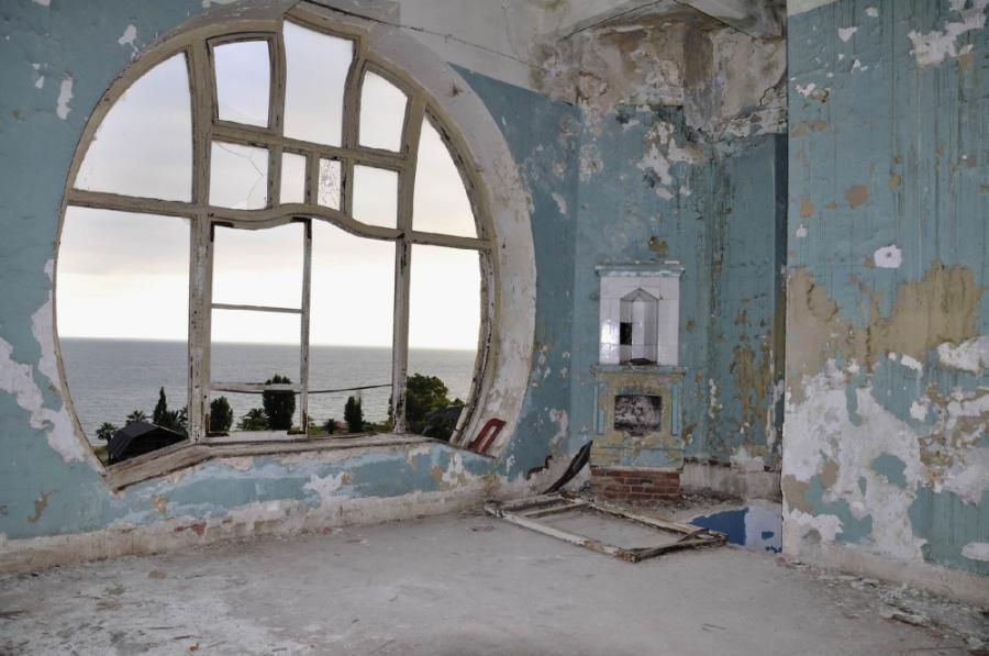 Жуть: заброшенные отели по всему миру