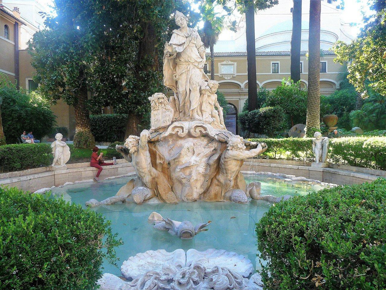 Дворик дворца Венеция