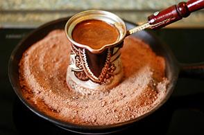 как правильно сварить вкусный кофе в турке, правильно сварить кофе в турке на плите, как правильно сварить кофе в турке дома