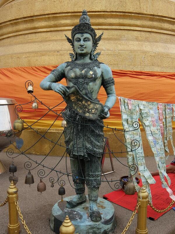 Бангкок - Скульптура на Золотой Горе