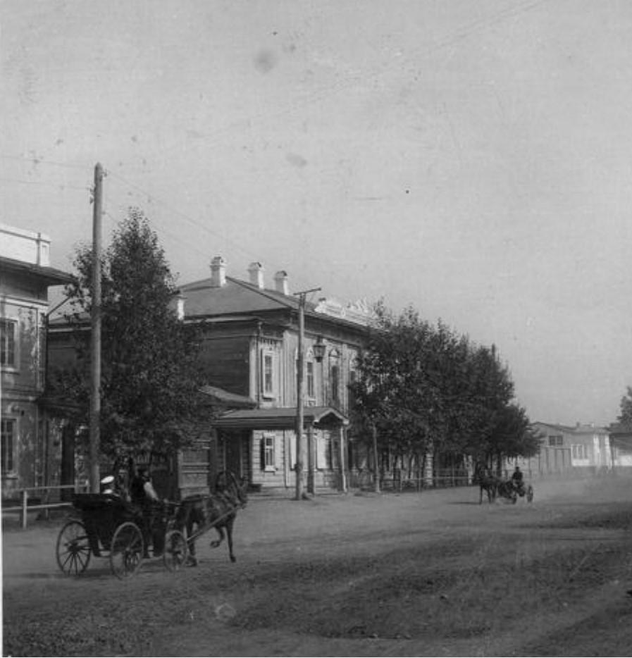 Шелашникова улица. Дом губернатора