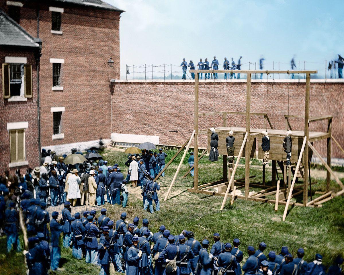 1865. Повешенные заговорщики по делу об убийстве Линкольна, в Форт Макнейр, Вашингтон. 7 июля