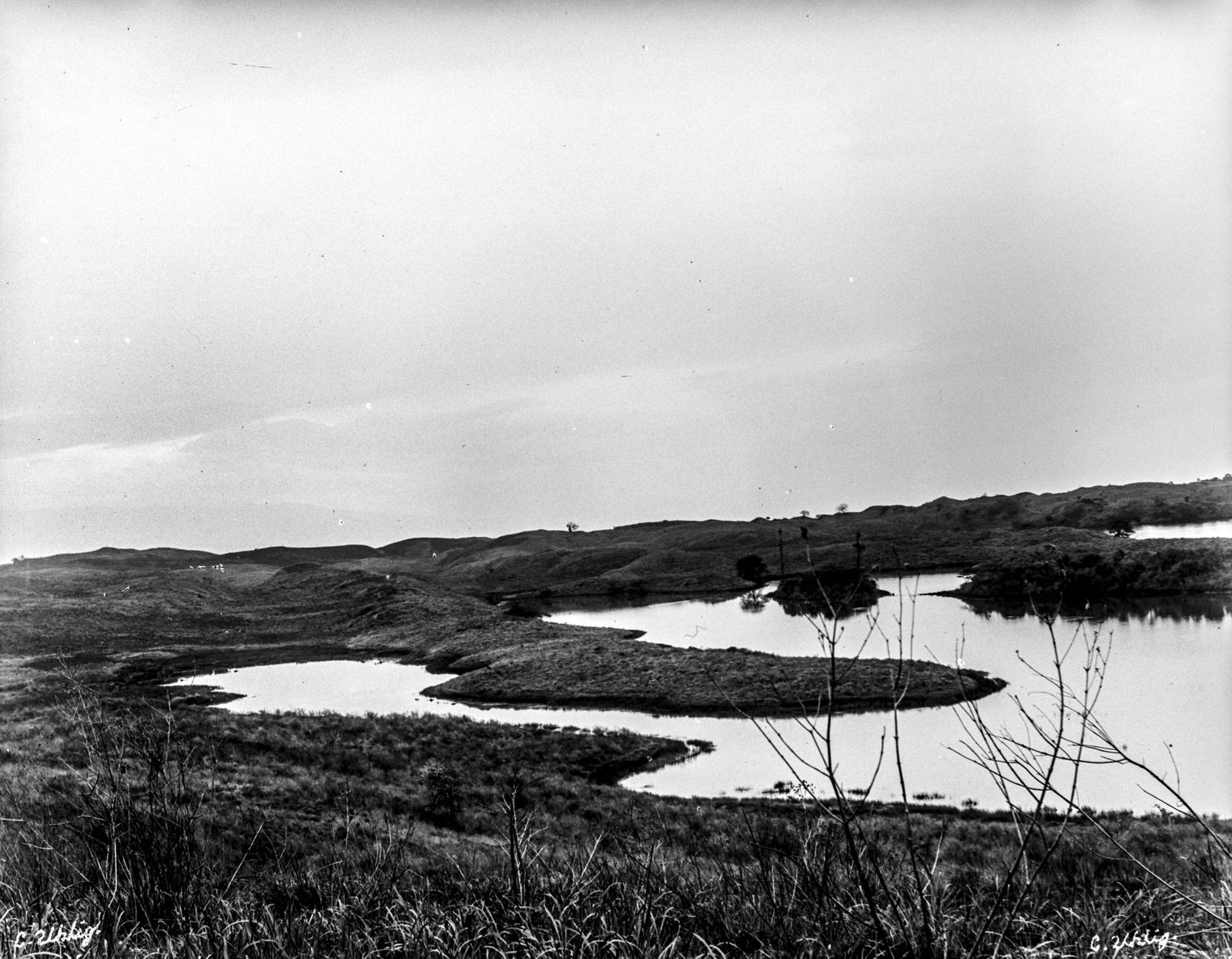 147. Озеро Натрон на горе Меру