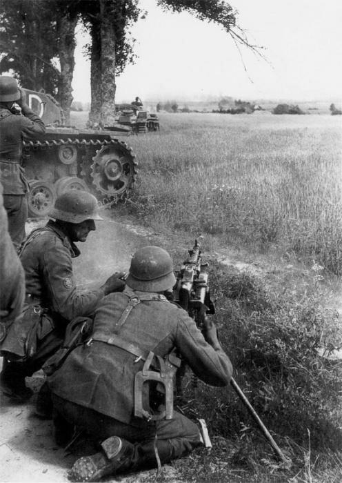 ���������� ������ �������� ������ ����� ����� �� �������� MG-34. ���� 1941 ����, ������ ����� «�����». �� ������ ����� ������ ���������� ��� StuG III. ����� ������: ���� 1941