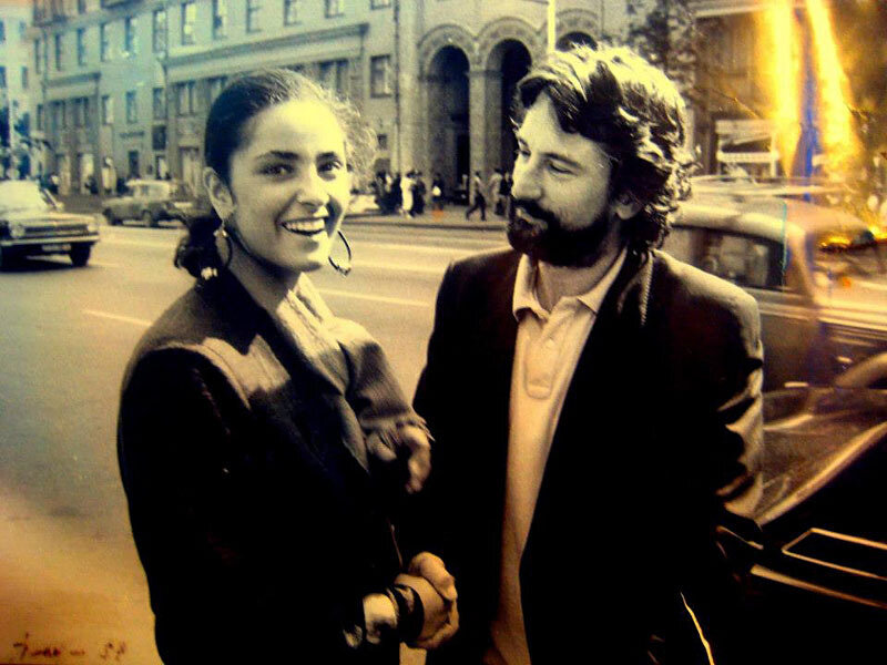 Грузинская актриса Ия Парулава и Роберт Де Ниро, Тбилиси, июль 1987.jpg
