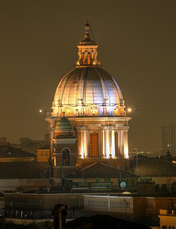 Ночной Рим. Купол базилики Сан-Карло-аль-Корсо