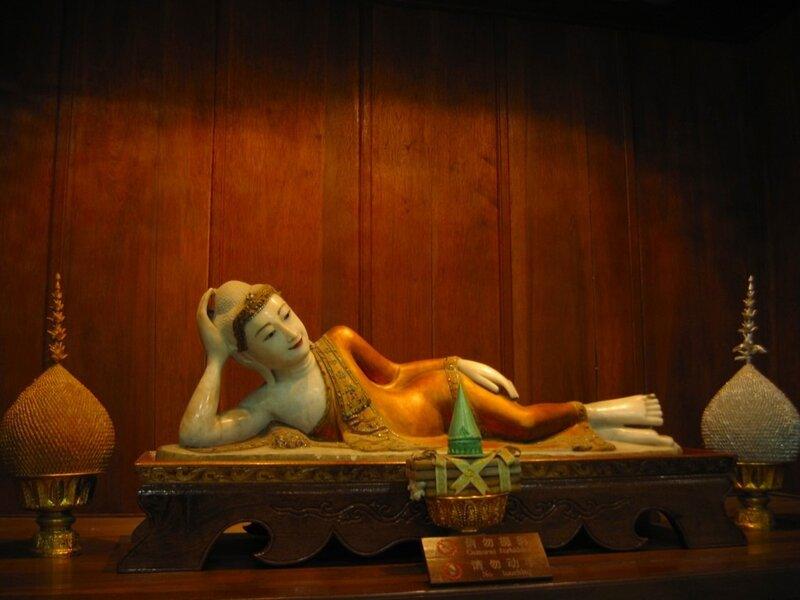 Спящий Будда, Монастырь Линъиньсы, Ханчжоу