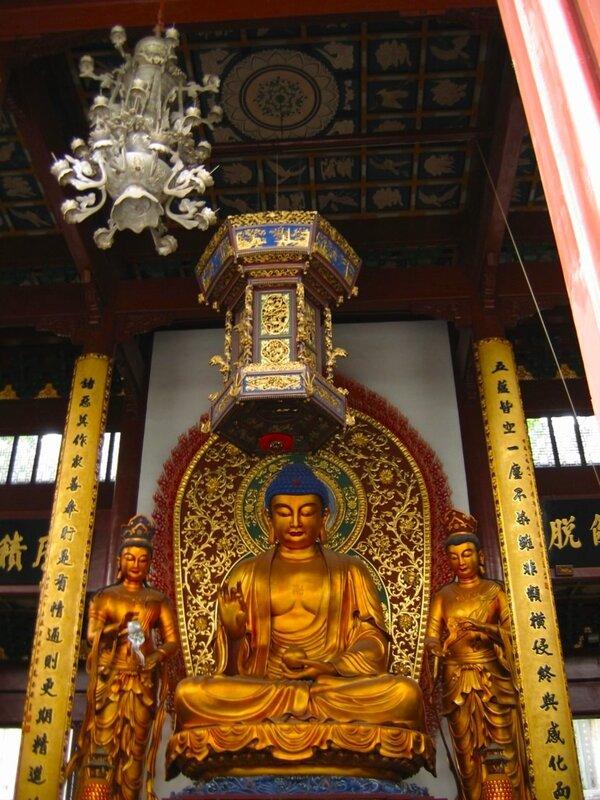 Статуи Будды, богов Солнца и Луны, Монастырь Линъиньсы, Ханчжоу