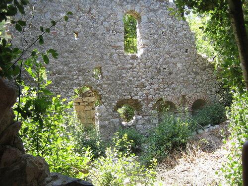 Развалины