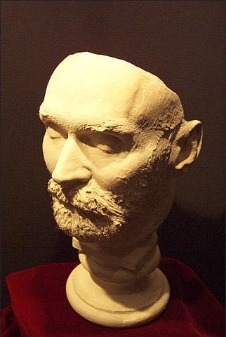 Посмертная маска Альфреда Нобеля (1833-1896).