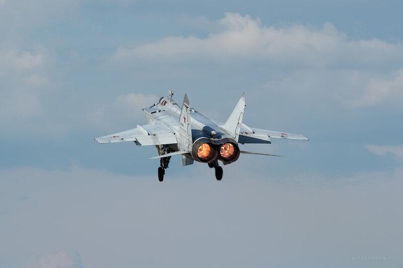 Микоян-Гуревич МиГ-31 (RF-95200 / 58 красный) D806459