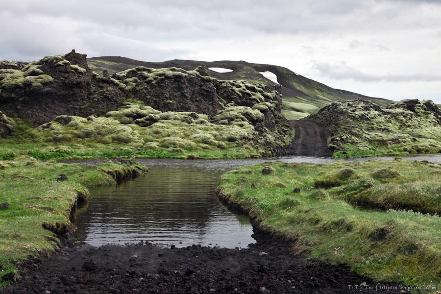 15. Чёрные берега Рейнисфьяра и кратеры вулкана Лаки.