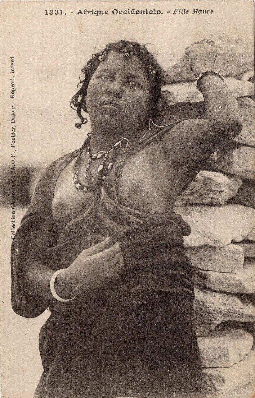 1331. Женщина народа маури