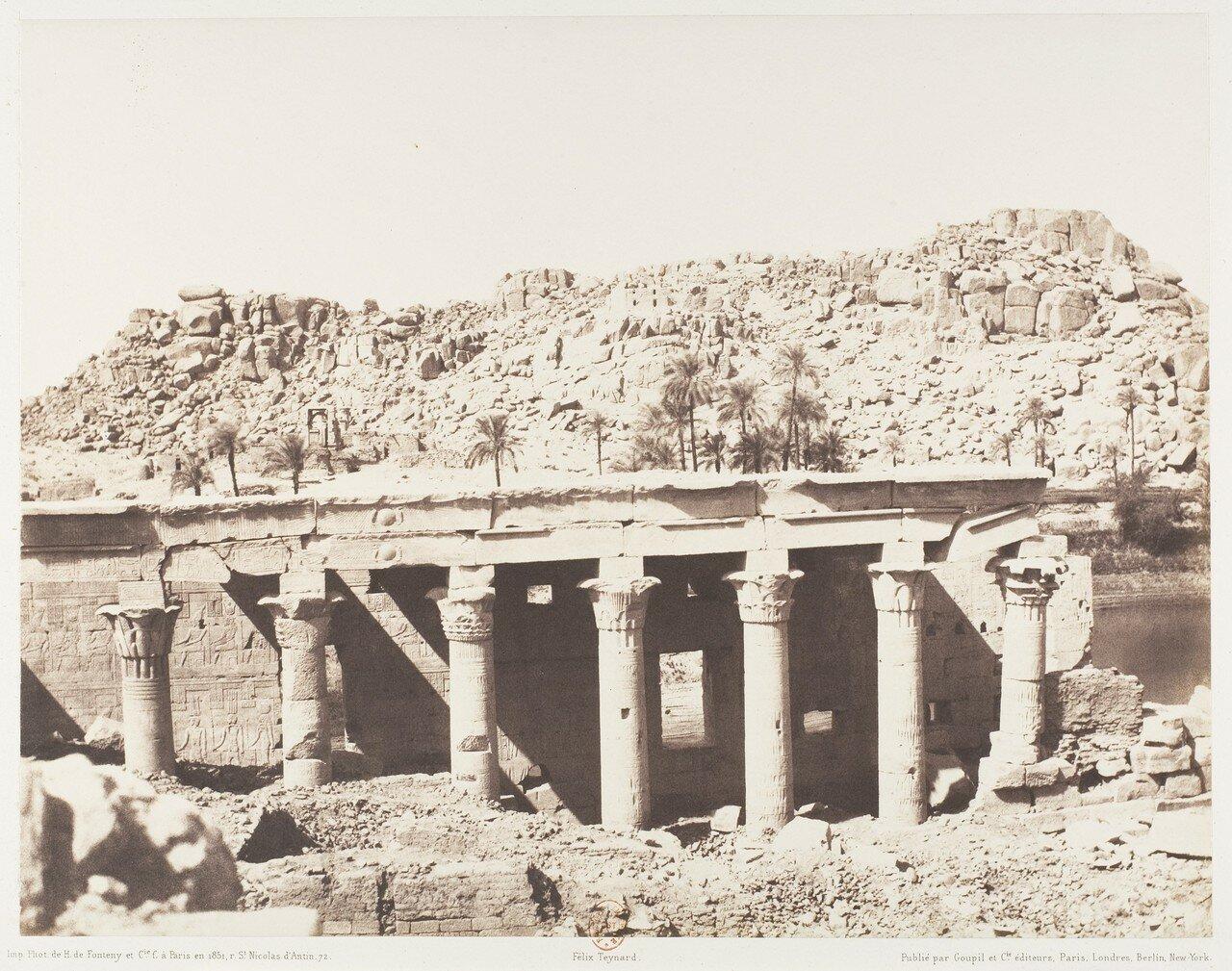 Остров Филе. Колоннада храма. Вид на руины с точки «L»