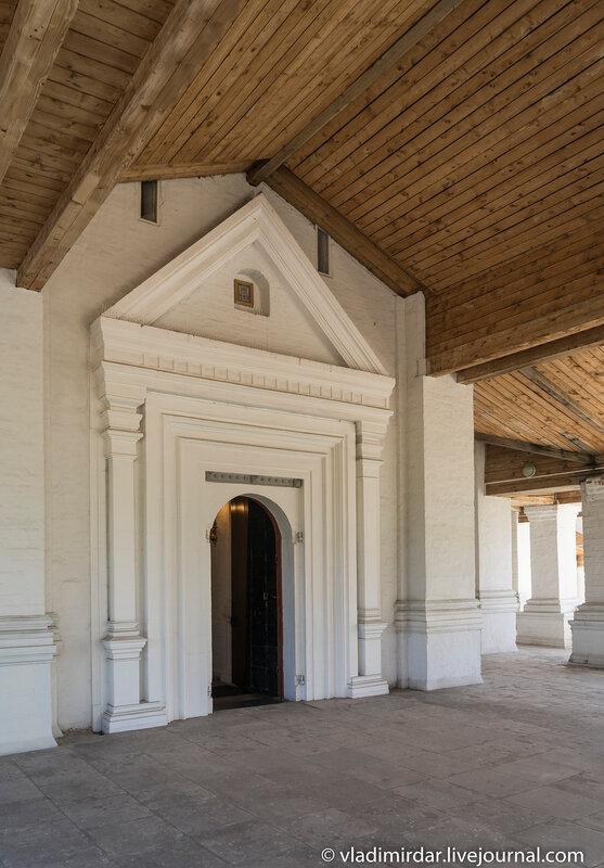 Портал западных врат Храма Вознесения в Коломенском