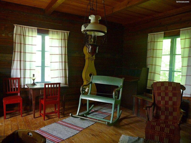 Комната отдыха, в которой также спали.