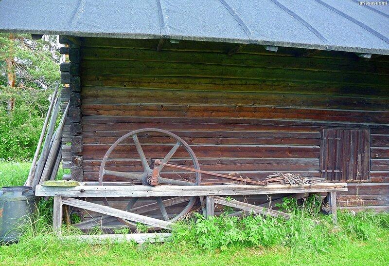 Амбар для хранения и ремонта телег и саней.
