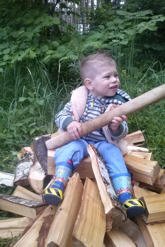 степа устроился работать канадским лесорубом.bmp