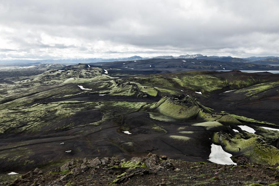 24. Чёрные берега Рейнисфьяра и кратеры вулкана Лаки.
