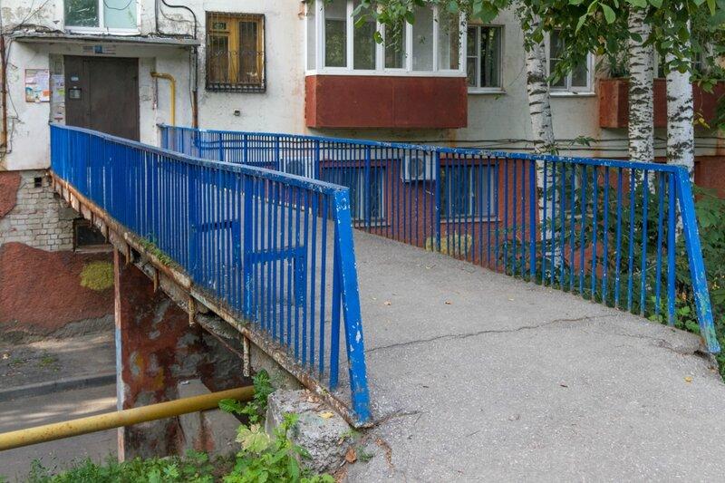 Мост к подъезду жилого дома, Нижний Новгород