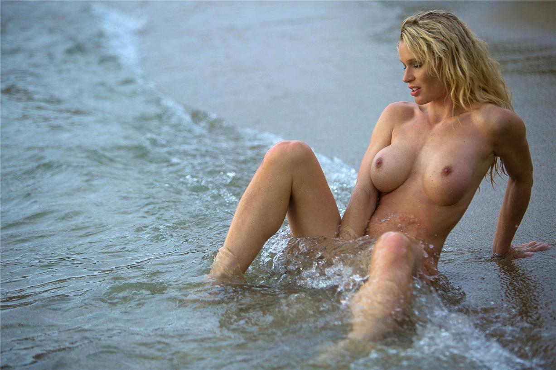 Девушка месяца Рамона Бернхард / Ramona Bernhard - Playboy Germany may 2015 playmate