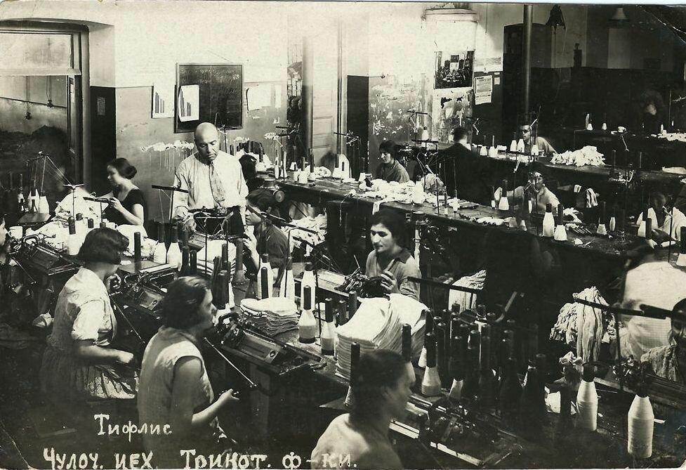 Чулочное отделение трикотажной фабрики