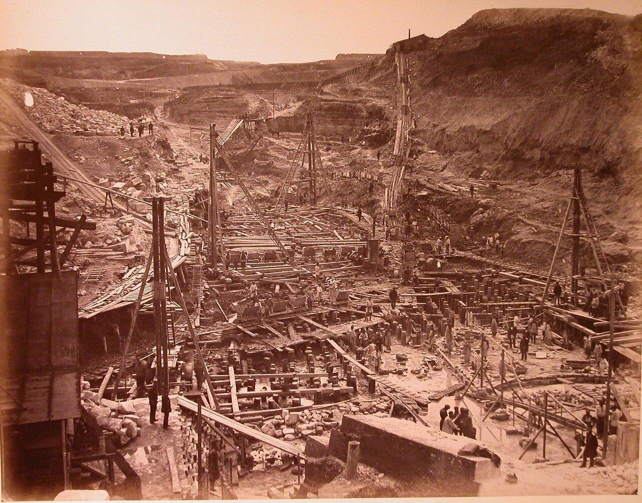 07. Вид на строительство Алексеевских доков со стороны корабельной бухты