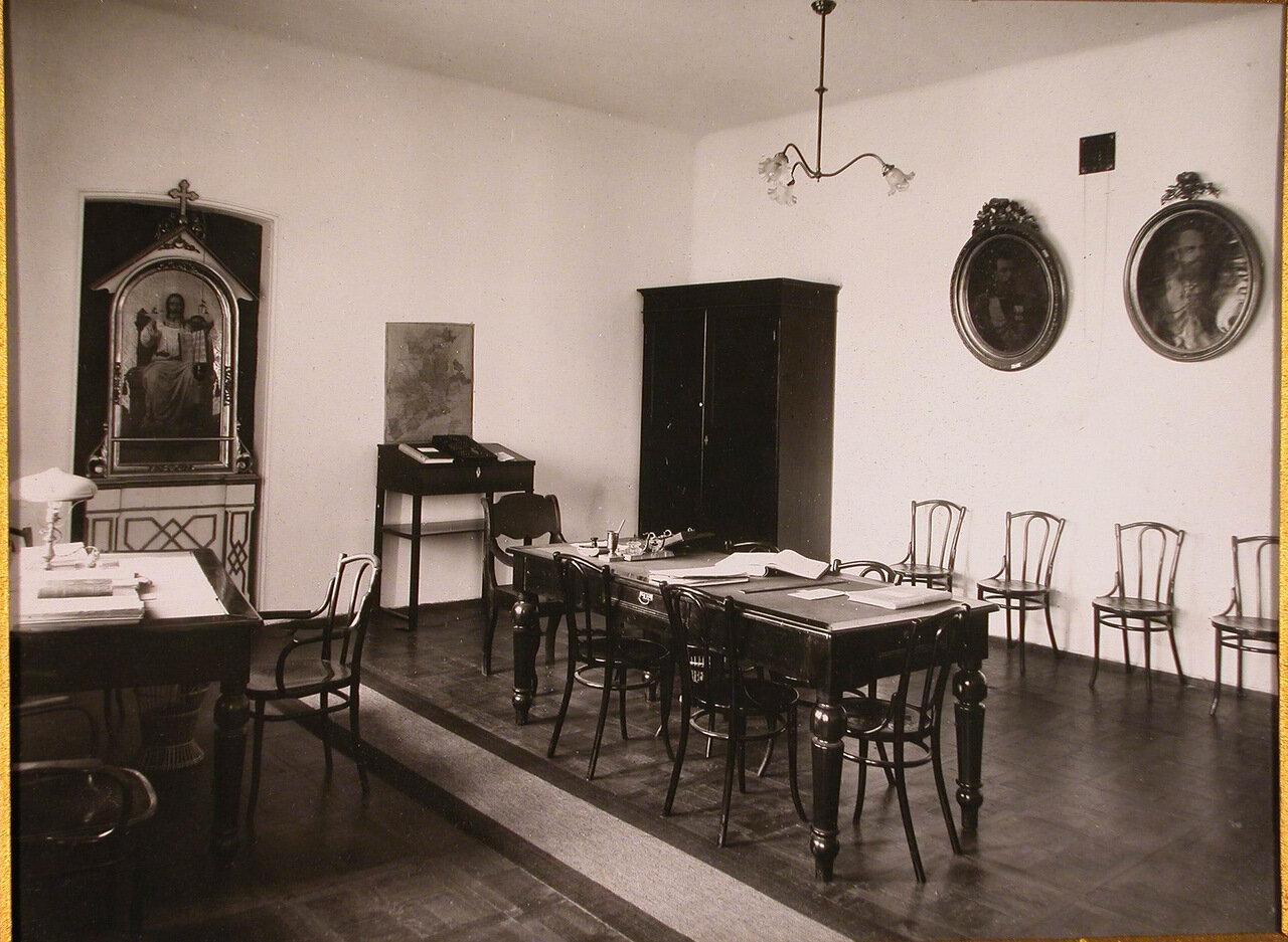 09. Вид комнаты, где находилась эмеритальная касса Епархиального дома