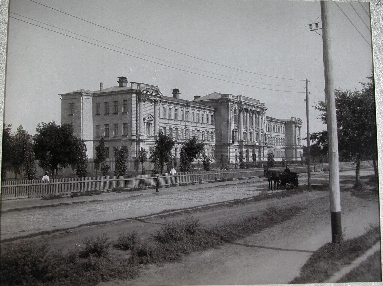 01. Вид здания училища со стороны улицы