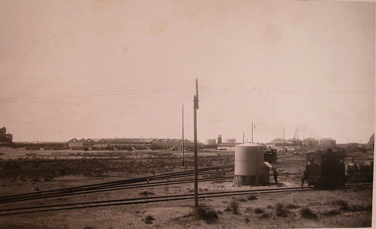 01. Вид территории, где размещались (слева направо) корпуса Вагонного завода, здания больницы и жилые дома общества