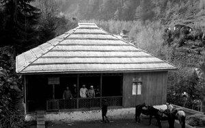 Колхозное здание в Хеши
