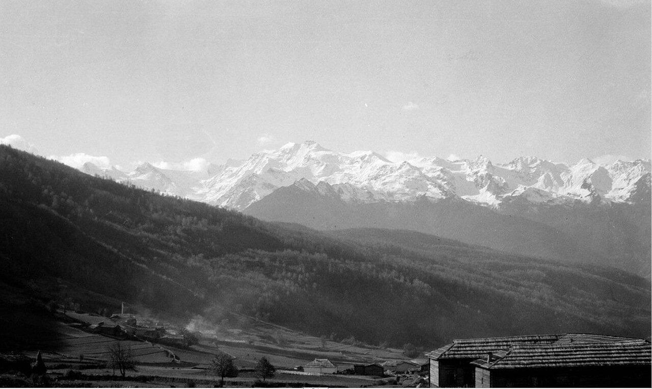Гора Лайла, вид из деревни Бечо