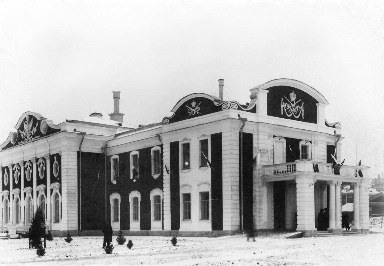 07.  Фасад здания офицерского собрания Собственного Его Императорского Величества Конвоя