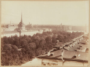 Александровский сад и здание Адмиралтейства