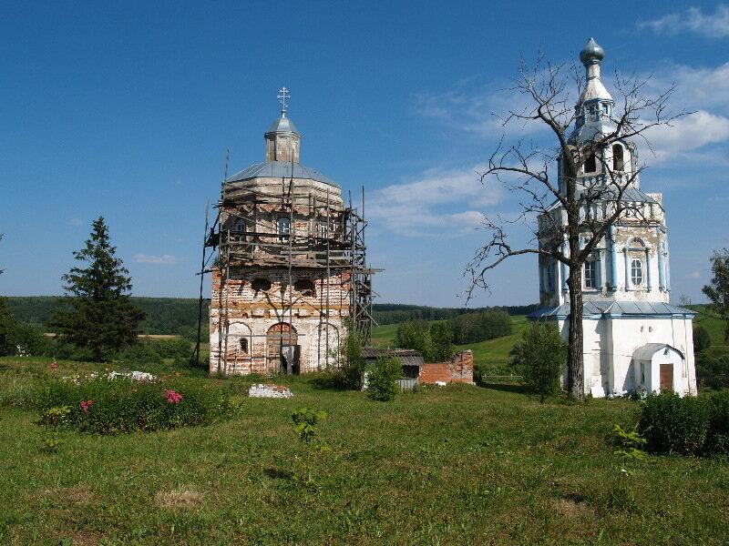 Две церкви в Чиркино
