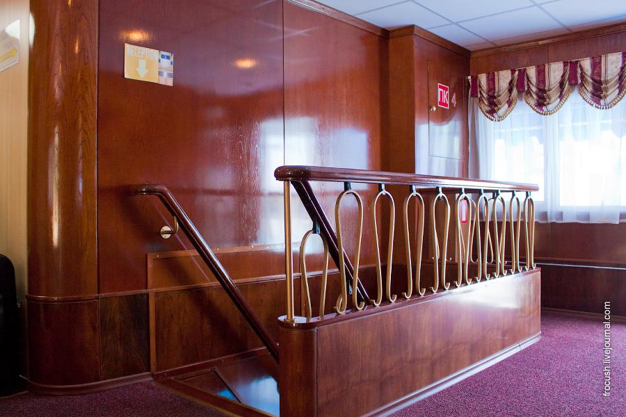 Холл шлюпочной палубы теплохода «Н.А.Некрасов»