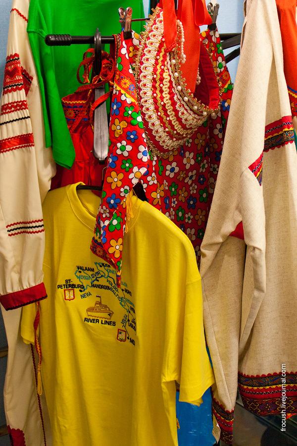 Сувенирный магазин на борту теплохода «Александр Суворов»