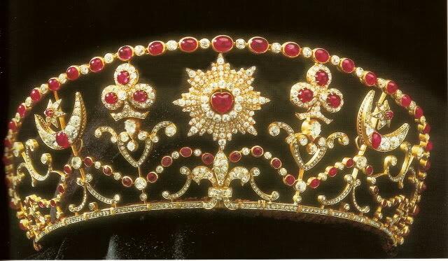 диадема Elizabeth II, Eлизавета II, подарок русских царей
