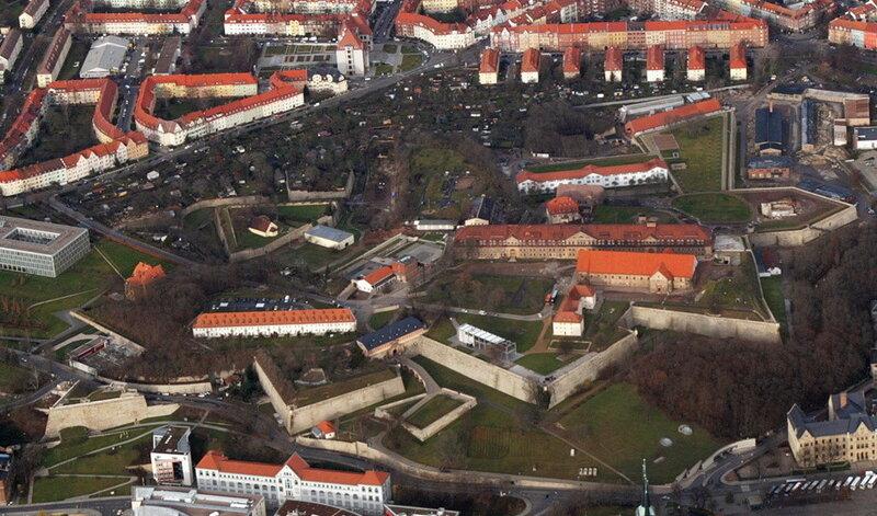 Zitadelle Petersberg сверху _1.jpg