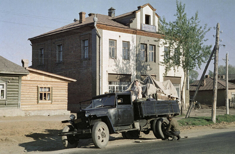 1963 Zagorsk. USSR. Transportation of furniture1.jpg
