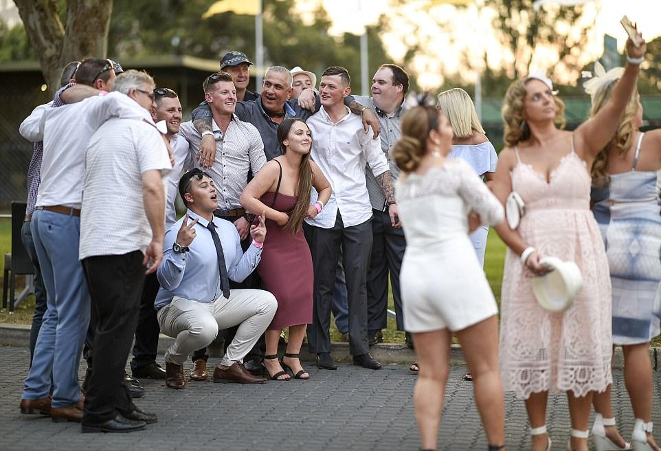 Весенние скачки в Сиднее