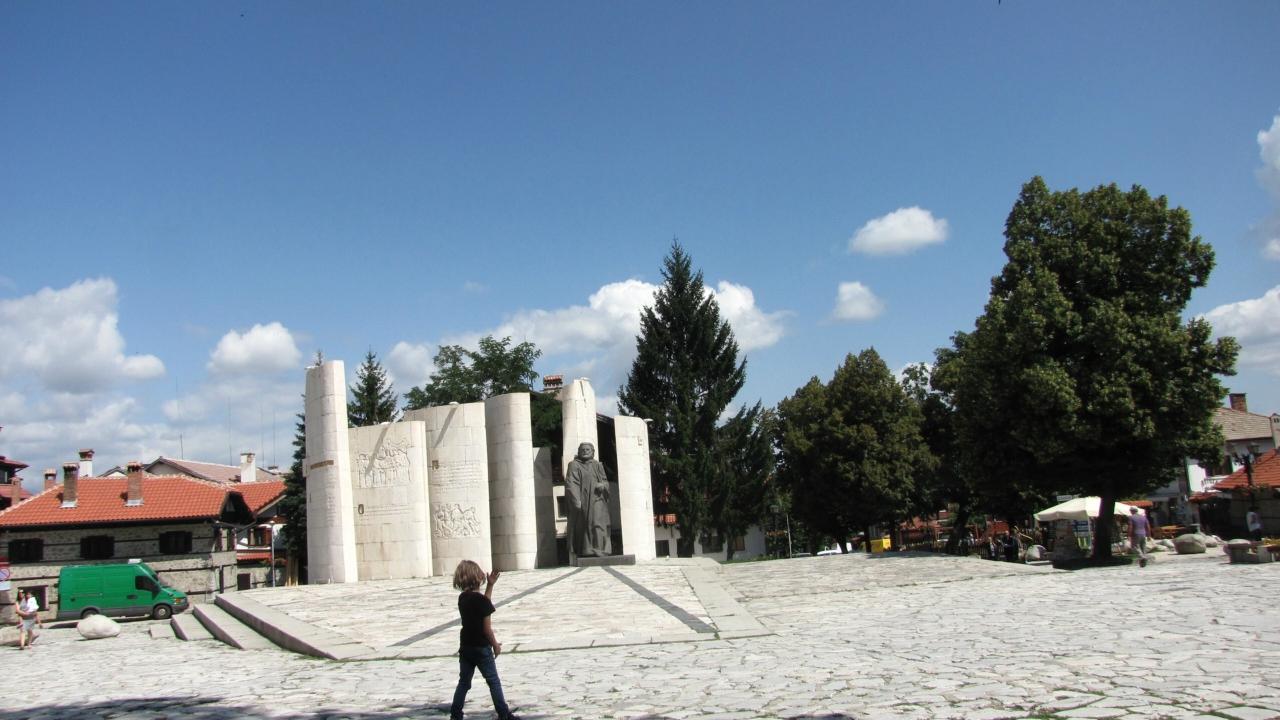 Банско. Памятники