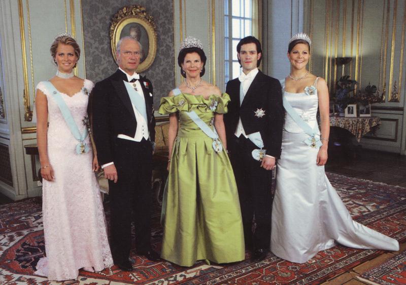 Трое у короля и королевы Швеции.