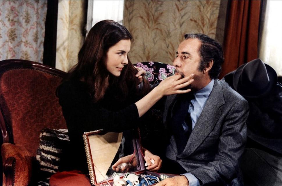 Дебют актрисы состоялся в фильме режиссера-сюрреалиста Луиса Бунюэля «Этот смутный объект желания»,